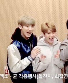 ChanBaek moment - Chanyeol can't keep his hands off Baekhyun