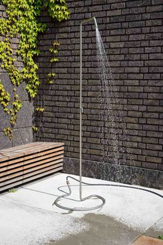 Garden Shower, Rooftop Terrace, Permaculture, Home Living Room, Bungalow, Outdoor Gardens, New Homes, Sweet Home, Outdoor Structures