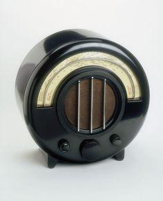 1934 Ekco AD-65 Radio