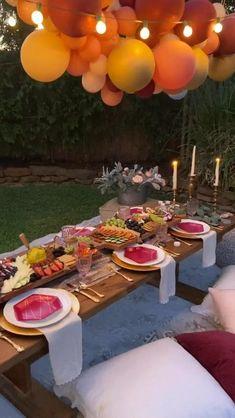 Backyard Birthday Parties, Picnic Birthday, Birthday Dinners, Birthday Party Ideas, Picnic Theme, Outdoor Birthday, Dinner Party Decorations, Dinner Party Table, Party Decoration Ideas