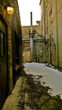 Waukesha WI, this looks like an alleyway in Europe!
