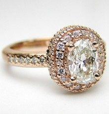 i would die.. i love vintage style rings.