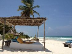 Be Tulum Hotel: Shaded beach bed