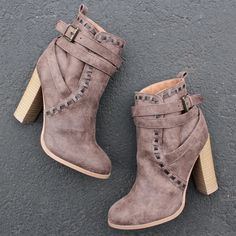 "distressed faux leather upper Heel Height: 4"" (approx) Shaft Length: 8"" (including heel) Top Opening Circumference: 8"" (approx) synthetic sole imported"