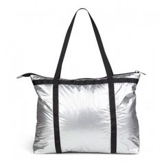 Flot stor praktisk Friis Co taske i sølv farvet blankt materiale 1510045