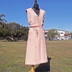 Wrap Dress / Size M / Pale Peach Dress / by VintageSquirrels, $36.95  #Vintage #Clothing #Dress #VintageDress #70sDress #Fashionista #WrapDress #DOTD #VintageSquirrels