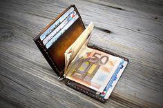 Money Clip Leather Wallet with Coin Pocket Mens Leather Wallet With Coin Pocket, My Wallet, Leather Money Clip Wallet, Unique Gifts For Him, Valentines Gifts For Him, Minimalist Wallet, Italian Leather, Leather Craft, Leather Men