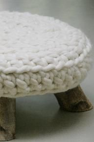 What a gorgeous #knit stool idea. Anyone have a pattern ? LOVE love Luv LOVe it.