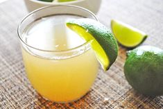 What about a glass of limeade to cool you down on a hot day? Try a mind-blowing and refreshing ginger limeade drink with secret ingredients! Ginger Drink Recipe, Limeade Drinks, Coffee Vs Tea, Cleanse Your Liver, Non Alcoholic Drinks, Beverages, Healthy Habits, Summer Recipes, Food Videos