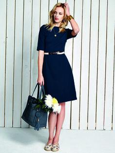"""Nachtblaues Kleid """"Jacinto"""" im #Audrey-Look. Knieumspielendes Etuikleid mit typischem U-Boot-Ausschnitt aus weichem Jersey.  http://bevonboch.com/Produkt/bevonboch/Kollektion_FS14/Jacinto_Kleid.html?result=1018457?campaign=bvbpin by Brigitte von Boch #bevonboch"""