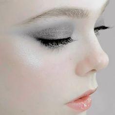 gris  grey make up