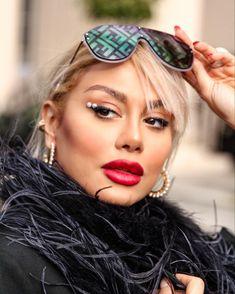 #lfw #aw2020 #pearl #makeup #fendi #sunnies 🕶 Sunnies, Sunglasses, Fendi, Pearls, Makeup, Fashion, Maquillaje, Maquiagem, Fashion Styles