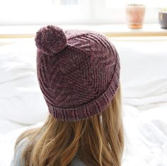 Fleesensee is back with more sizes and brim options! You're warmly invited to join us for a short & sweet Fleesensee Hat KAL - find all the chatter here! Until Oct 8, midnight CEST, you can enjoy a 20% discount using the coupon code HELLOFLEESENSEE.