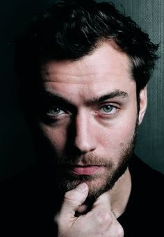 Man portrait Jude Law