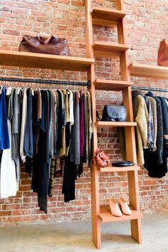 New clothes shop display boutiques store interiors Ideas - Boutique Interior Design, Boutique Decor, Studio Interior, Boutique Stores, Boutique Ideas, Shop Front Design, Store Design, Fashion Design Inspiration, Clothing Displays