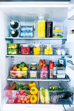 Pantry organization ideas that are budget friendly & Kitchen organization ideas for your small apartment & Kitchen pantry organization House decor & Kitchen decor ideas for the minimalist & Pantry. Refrigerator Organization, Pantry Organization, Organized Fridge, Fridge Storage, How To Organize Fridge, Countertop Organization, Clean Fridge, Storage Containers, Home Remodeling Diy