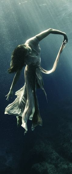 Under the sea photography #drowning #seaprincess #waterwitch
