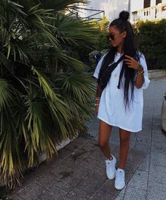 ✯ Find more black outfits, cute outfits and pretty dresses, clothing drawing and mens clothing. Another clothing storage, skinny jeans and informal dresses Mode Outfits, Trendy Outfits, Fashion Outfits, Black Outfits, Fashion Pants, Summer Shorts Outfits, Workwear Fashion, Womens Fashion, Fashion Blogs