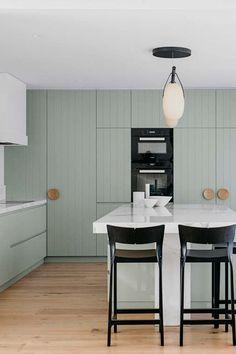 34 Best Kitchen Paint Colors - Ideas for Popular Kitchen Colors Mint Green Rooms, Mint Green Kitchen, Green Kitchen Cabinets, Pastel Kitchen, Kitchen Cabinet Styles, Custom Kitchen Cabinets, Kitchen Backsplash, Kitchen Storage, Timber Kitchen