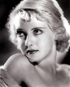 Bette Davis stars as Mildred in 'Of Human Bondage', 1934 Co-staring Leslie Howard.