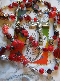 Day of the Dead Red Devil Skull Rosary Necklace by jansbeads, $42.50 #dayofthedead #rosary #devil #halloweenartistbazaar