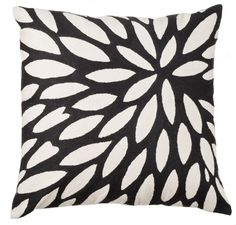 Spray #linenandmoore #winter #cushion