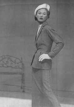 Lisa Fonssagrives-Penn.  Photo by Frances McLaughlin-Gill.  Vogue, February 1949.