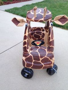 21 Cozy Coupe Hacks to Make Over Your Kid's Ride - Glue Sticks and Gumdrops Little Tykes Car, Diy For Kids, Gifts For Kids, Cozy Coupe Makeover, Cardboard Box Crafts, Kids Ride On, Painting For Kids, Diy Toys, Toddler Toys