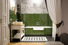 Green Tiles, Bathroom || Gorki Apartments Berlin
