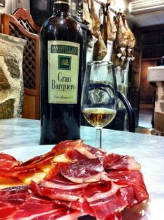 Ten things to do in Madrid-tapas tour Madrid Tapas, Madrid Restaurants, Portuguese Recipes, Portuguese Food, Madrid City Centre, Backpacking Spain, Madrid Travel, Spain Travel, Travel Ideas