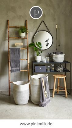 You create a special eye-catcher in the bathroom with fancy mirrors. Villa Collection has sun-shaped mirrors made of bamboo, Madam Stoltz has round metal mirrors in gold. Decor, Dorm Room Diy, Bathroom Decor, Dorm Diy, Ladder Decor, Fancy Mirrors, Home Decor, House Interior, Room Decor