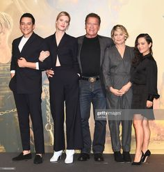 TOKYO, JAPAN - NOVEMBER 05: (R-L) Natalia Reyes, Linda Hamilton, Arnold Schwarzenegger, Mackenzie Davis and Gabriel Luna attend the press conference for the Japan premiere of 'Terminator: Dark Fate' on November 5, 2019 in Tokyo, Japan. (Photo by Jun Sato/WireImage) Shes Beauty Shes Grace, Mackenzie Davis, Japan Photo, Arnold Schwarzenegger, Tokyo Japan, Rey, Gabriel, Hamilton, Kylie
