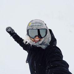 """Mi piace"": 1,148, commenti: 6 - Rebecca ""Possum"" Torr (@possumtorr) su Instagram: ""Weeeeeeeee! ❄️❄️❄️ photo @walshmt"" Canada Trip, Canada Travel, Go Skiing, Whistler, Vancouver, Mountain, Snow, Instagram, Inspiration"