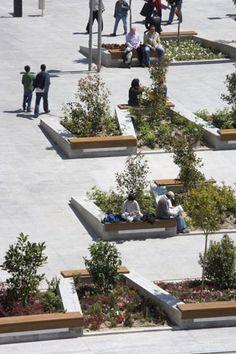 public space: Remodelación de la Plaza de Santo Domingo: Madrid (España), 2007