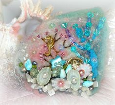 Pearls in the shells is great idea!