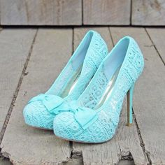 Sweet pale blue lace heels for a vintage inspired bride. Too cute! #COTW
