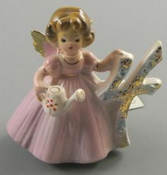 Josef Originals Birthday Angel Girl Figurine 4 year old Vintage  http://www.ebay.com/itm/Josef-Originals-Birthday-Angel-Girl-Figurine-4-year-old-Vintage-/330732458732?pt=LH_DefaultDomain_0=item4d0130d2ec#ht_3422wt_754