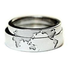 Anneaux de mariage original avec carte du monde. Ces anneaux peut être faites uniquement sur commande individuelle. Vous pouvez modifier tous les paramètres d'anneaux (couleur, taille, pierres). Avant la production, nous vous ferons parvenir le modèle 3d de vos bagues (avec tous les