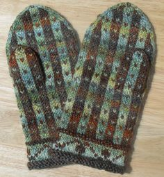 Pole Pattern Mittens. I need to branch out with my colorways. These mittens are beautiful.