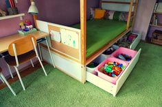 Ikea Kura bed hack: build a sturdy platform with drawers that will raise the bottom mattress off the floor and provide storage space. I also like the panel added at the foot of the bed! Kura Cama Ikea, Ikea Kura Hack, Ikea Bunk Bed Hack, Ikea Kids Room, Kids Bedroom, Ikea Bed, Under Bed Storage, Extra Storage, Kid Beds