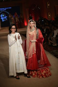 ANJU MODI & DEEPIKA PADUKONE- BLENDER'S PRIDE FASHION TOUR 2015 - BAJIRAO MASTANI INSPIRED COLLECTION