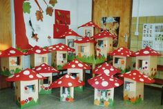 Milk carton cottage with mushroom painted cute! Fun Crafts For Kids, Baby Crafts, Preschool Crafts, Diy For Kids, Arts And Crafts, Autumn Crafts, Easy Christmas Crafts, Autumn Art, Mushroom Crafts