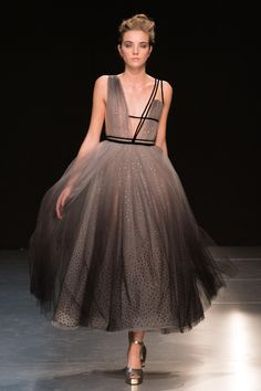 Find tips and tricks, amazing ideas for Georges chakra. Discover and try out new things about Georges chakra site Couture Week, Style Couture, Haute Couture Fashion, Fashion Week, Runway Fashion, Fashion Show, Fashion Tips, Fashion Design, Fashion 2016