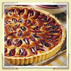 Purple are the stars of this mouthwatering tart, with creamy and crumbly playing supporting roles. Plum Tart, Tart Shells, Tart Pan, How Sweet Eats, Custard, Great Recipes, A Food, Food Processor Recipes, Easy Meals