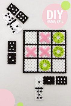 Inspiration, DIY board games out of hama pearls - Karen Klarbæks Verden Easy Perler Bead Patterns, Fuse Bead Patterns, Perler Bead Templates, Diy Perler Beads, Perler Bead Art, Pearler Beads, Beading Patterns, Pixel Beads, Fuse Beads