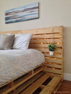 Minimalist Pallets Over Expensive Frames: 14 Creative Ideas To Design Your Pallet Platform Wood Pallet Beds, Pallet Bed Frames, Diy Pallet Bed, Diy Pallet Furniture, Pallet Room, Palette Furniture, Pallet Ideas, Room Ideas Bedroom, Bedroom Decor
