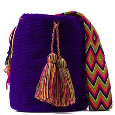 Tienda online de Bolsos Wayuu étnicos y artesanales en Madrid |Full Moonrise Crotchet Bags, Knitted Bags, Fabric Drawing, Quirky Girl, Handmade Handbags, Tapestry Crochet, Trendy Accessories, Cotton Bag, Hand Knitting