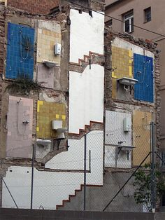 Ghost building somewhere ! Derelict Buildings, Old Buildings, Interesting Buildings, Photos Voyages, Built Environment, Genius Loci, Conceptual Art, Urban Landscape, Abandoned Places