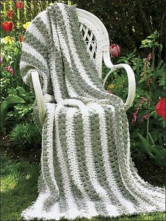 Ravelry: Climbing Ivy pattern by Jacqueline Stetter...free