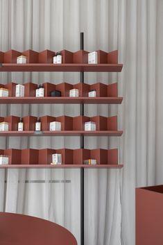 Gallery of SOFI Natural Cosmetics Shop / Studio AUTORI - 11 Shop Shelving, Shelving Design, Shelf Design, Display Design, Display Shelves, Design Shop, Ad Design, Graphic Design, Retail Interior Design